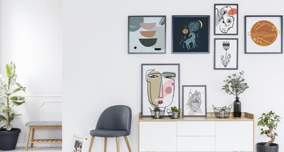 Gallery wall in 5 styles – let your room reflect your tastes